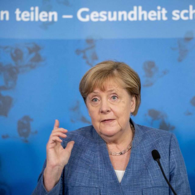Angela Merkel ima još jednu brigu više