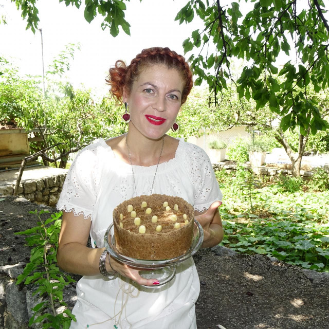 Andreja Puljiz Gudelj sa svojom zdravom inačicom legendarne torte