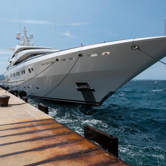 Zadar, 160721.<br /> Na rivi zadarskog Poluotoka danas je privezana luksuzna 82 m dugacka jahta Secret.<br />