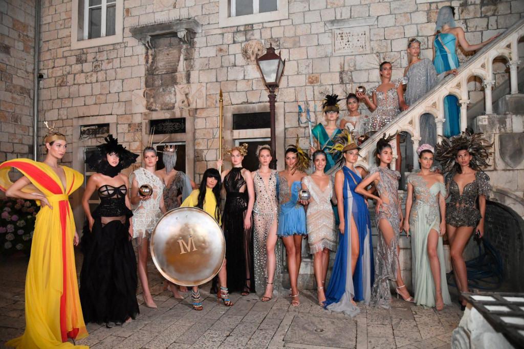 Spektakularna revija povodom 40. obljetnice rada modne dizajnerice Matije Vuice<br />