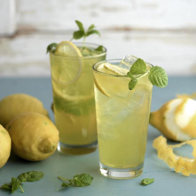 Na Kreti u limunadu dodaju anis i rakiju ouzo