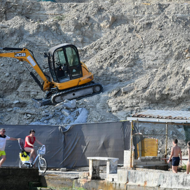Gradilište poviše Ježinca trebalo bi se hitno osigurati i sanirati, što će Javna ustanova tražiti od investitorice
