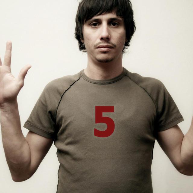 Umjetnost preživljavanja: 3+2=5