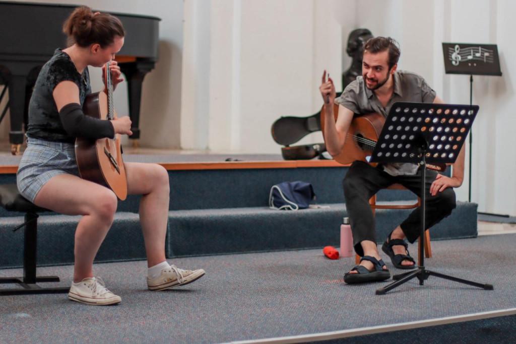 Završni koncert polaznika majstorske gitarističke radionice Petrita Çekua održat će se u subotu