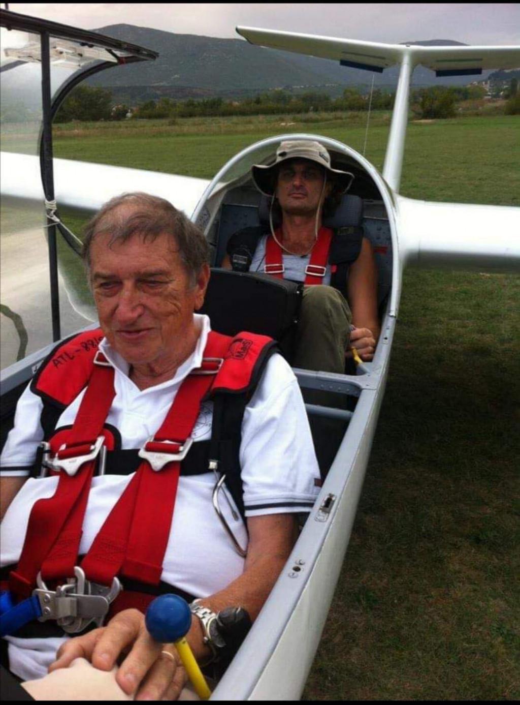 Srećko Petričević u avionu<br />