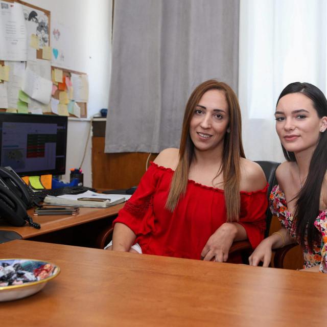 Patricia Delija i Rebeka Kukulj u call centru Plavog taksija