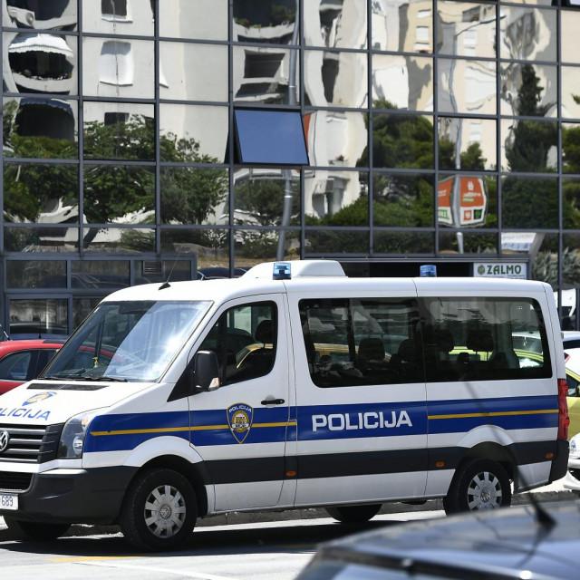 Na fotografiji: policija ispred tvrtke Dal Koning poduzetnika Zvonka Kotarca