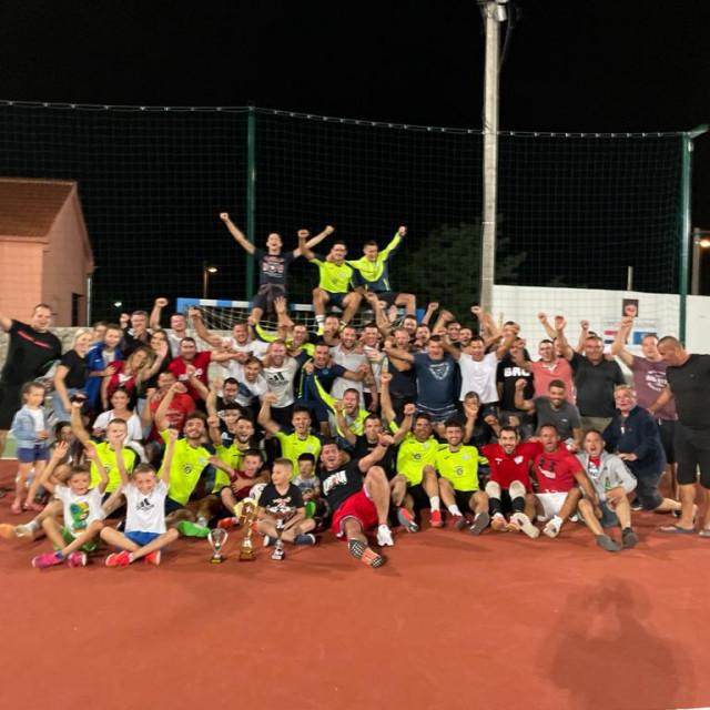 Zajednička slika finalista na turniru u Galovcu