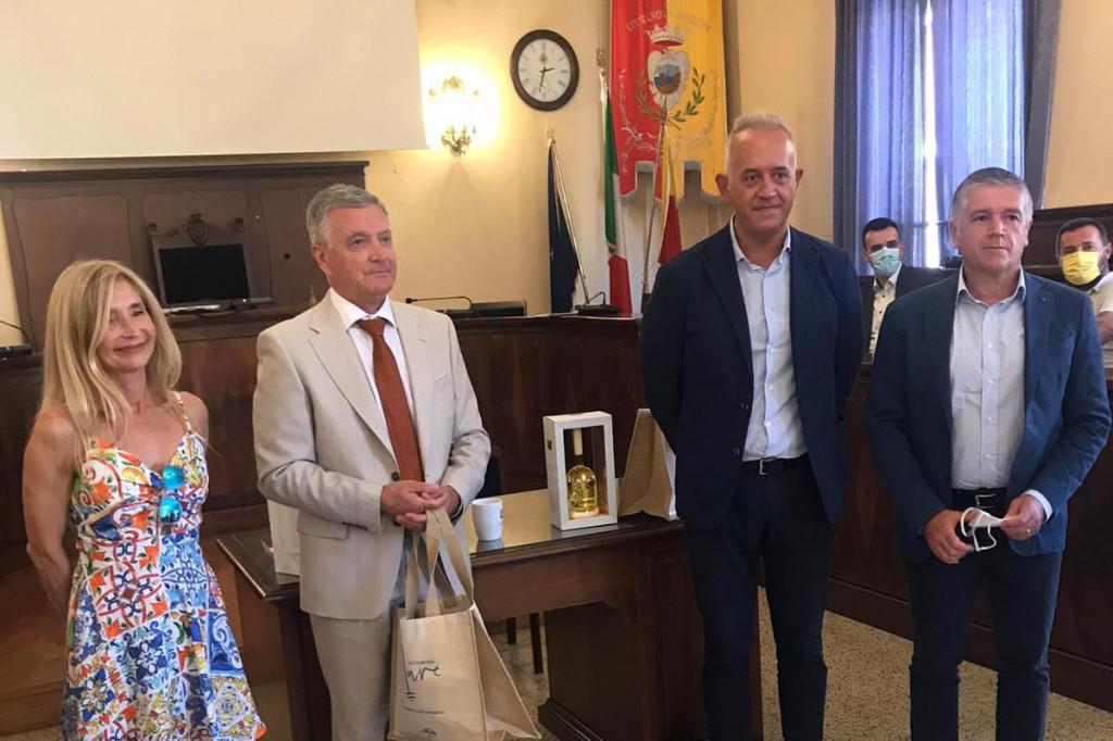 Izaslanstvo Grada Šibenika kod gradonačelnika Civitanove