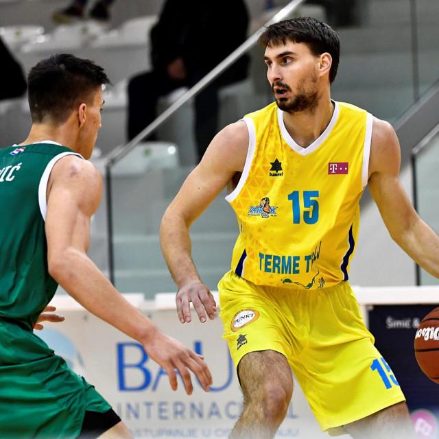 Patrik Jambrović (žuti dres)