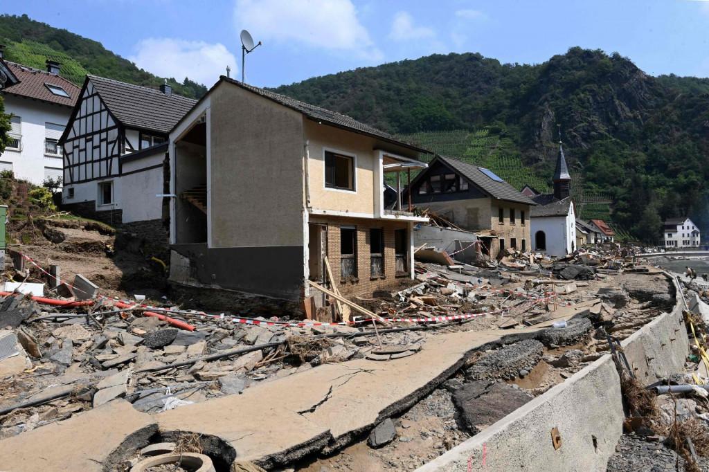 Nakon poplava mnogi ne mogu svojim kućama