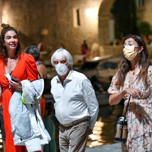 Dubrovnik, 240721.<br /> Bernie Ecclestone je veceras prosetao Stradunom u drustvu svoje supruge Fabiane Flossi.<br />