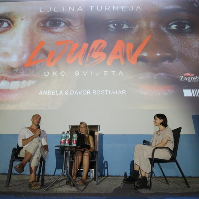 Dokumentarni film Anđele i Davora Rostuhara Ljubav oko svijeta predstavljen je splitskoj publici u ljetnom kinu Bačvice.<br />