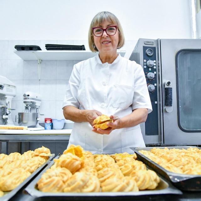 Više od četiri desetljeća gospođa Ane radi u slastičarstvu