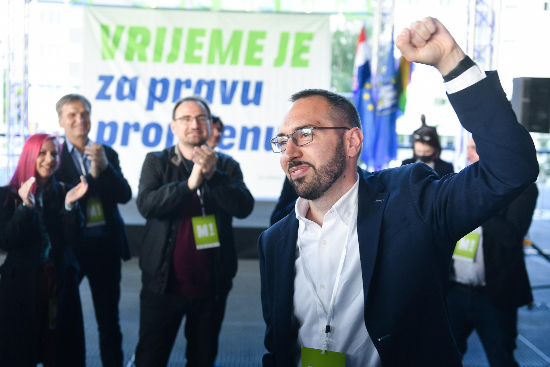 Rat u SDP-u, kojeg mnogi već zovu 'Ne možemo!', zapravo je izravna posljedica uspjeha platforme Možemo!, čiji je uspon razbio i neke mitove hrvatske ljevice