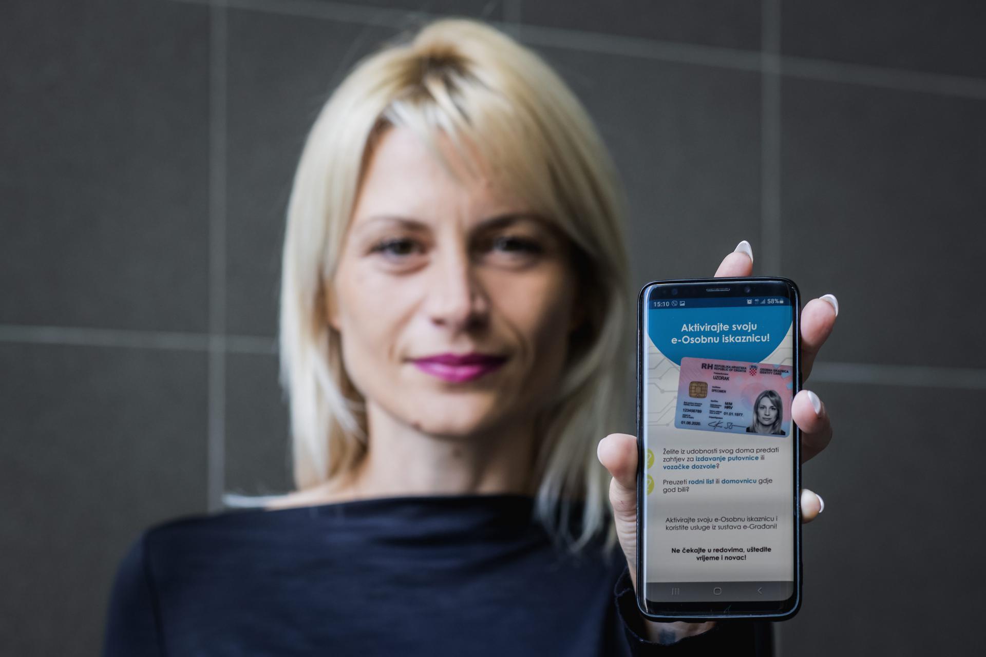 Od ponedjeljka nove elektroničke osobne iskaznice: služit će i kao zdravstvene, moći će se koristiti na mobitelima, a koštat će 100 kuna
