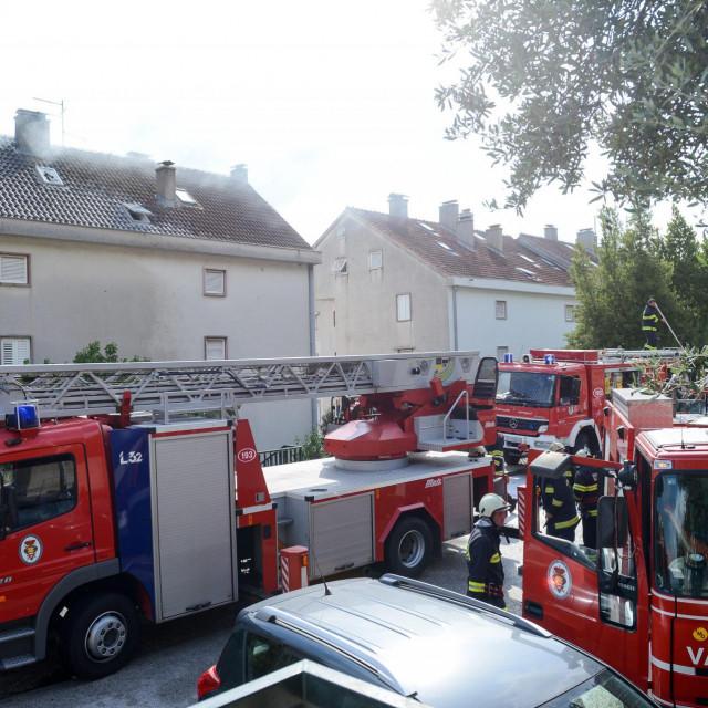 Vatrogasci na intervenciji, ilustracija