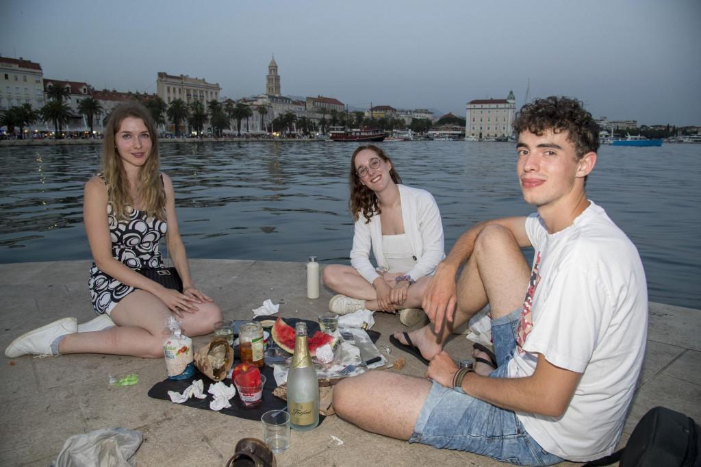 Samuel,Iva i Élise.