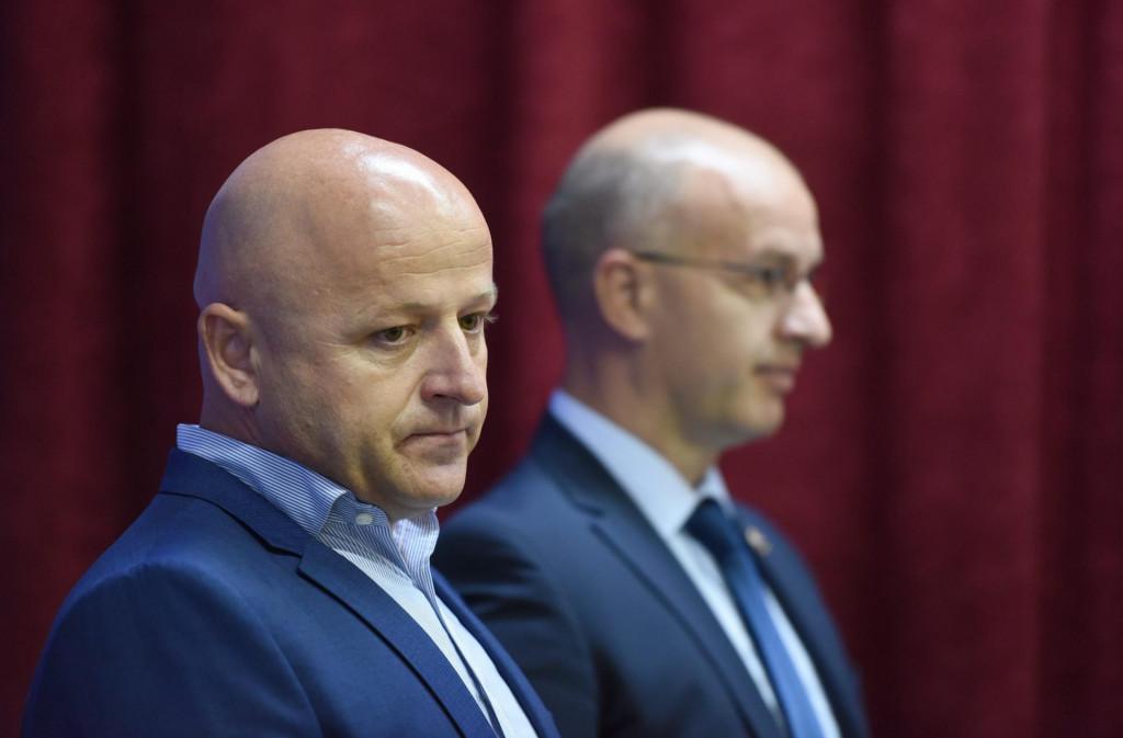 Na fotografiji: Bore Mrsic dosadasnji voditelj sluzbe krim policije i Anton Drazina nacelnik PU zadarske