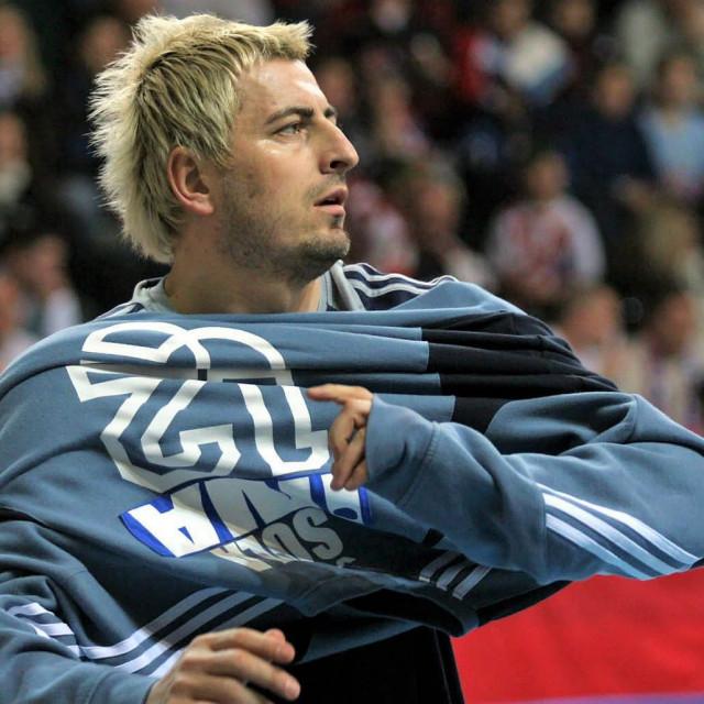 Vlado Šola, legendarni vratar, svjetski prvak i olimpijski pobjednik, danas rukometni trener