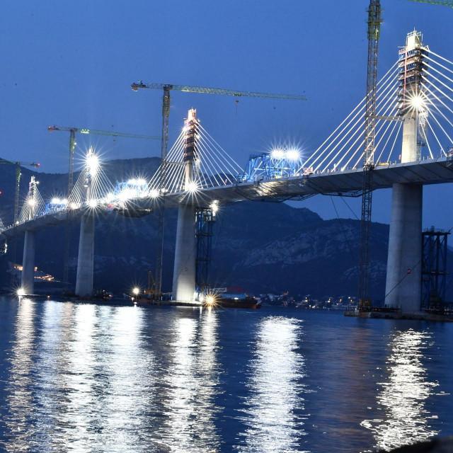 Dosta čitatelja predložilo je i ime Europski most, pa i Most jedinstvene Hrvatske, Most domovine<br /> Tonči Plazibat/Hanza Media