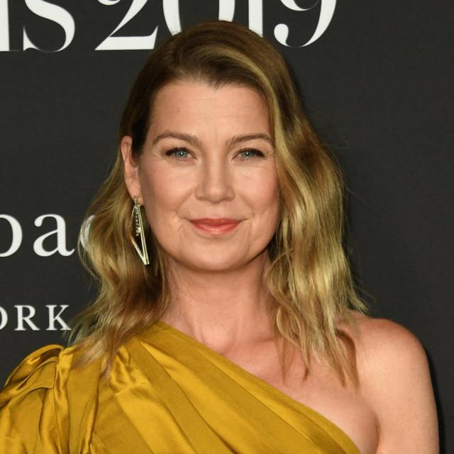 """Američka glumica Ellen Pompeo snimljena prilikom dolaska na """"InStyle Awards"""" u Getty Center u Los Angelesu 2019. godine"""