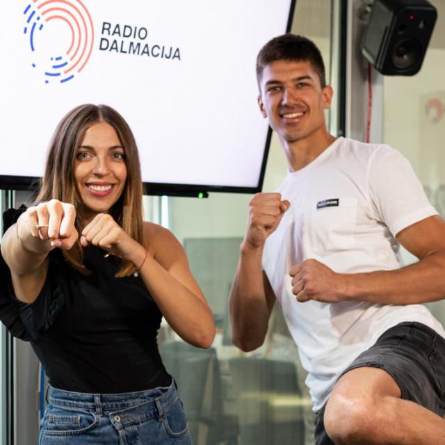 Anamarija Božinović i Toni Kanaet u studiju Radio Dalmacije