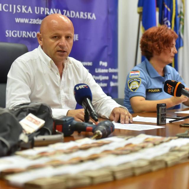 Voditelj kriminalističke službe PU zadarske Bore Mršić u vrijeme kada se smijao on, a ne kriminalci<br />
