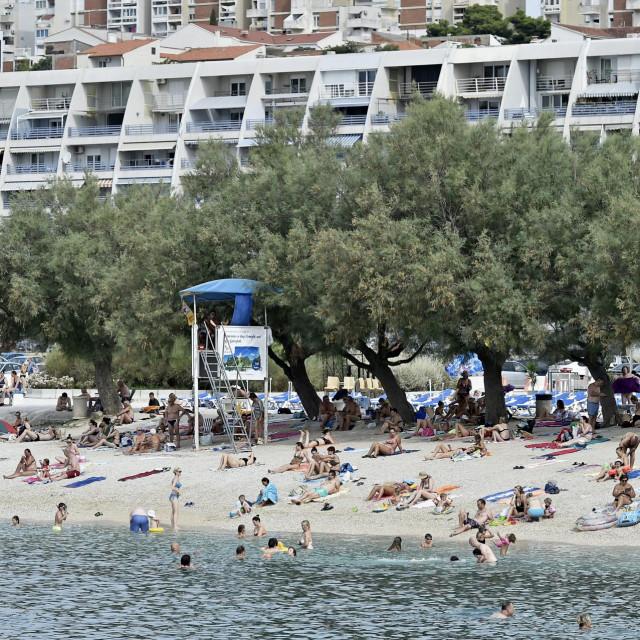 Plaže na Žnjanu pune su kupača od ranih jutarnjih sati