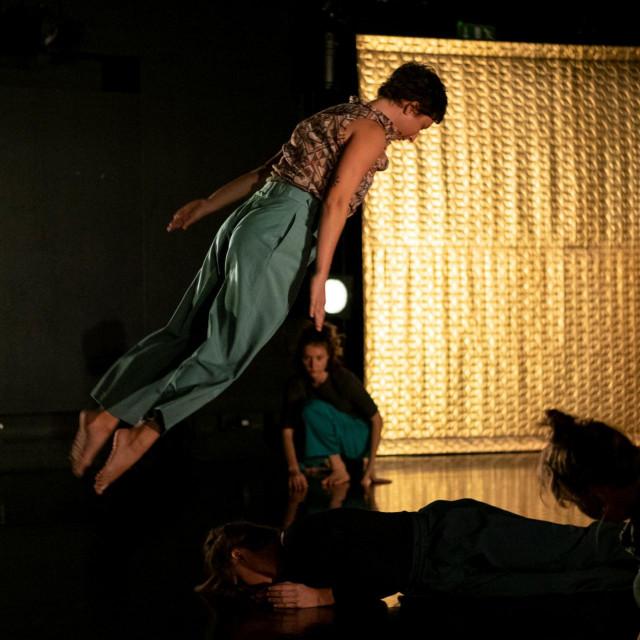Plesna predstava u Lazaretima u sklopu Dubrovačkih ljetnih igara