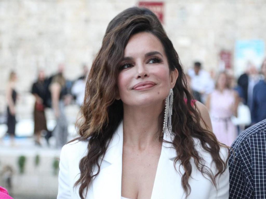 Severina snimljena u lipnju u Dubrovniku na izložbi Dimitrija Popovića