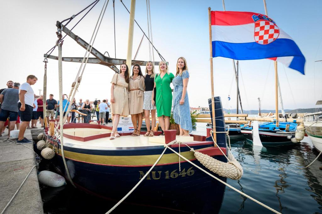 Gajetu Marija obnovio je Muzej betinske drvene brodogradnje, a porinuta je u srijedu