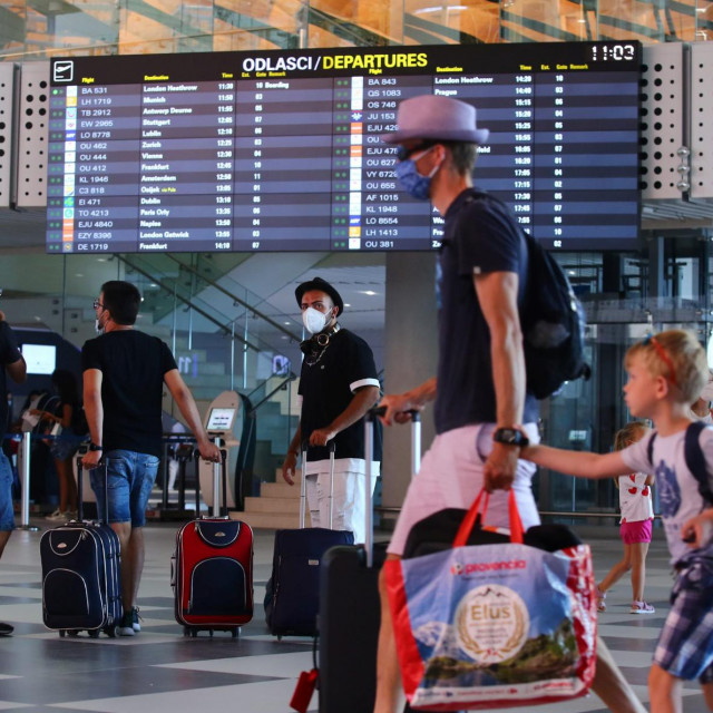 Neugodna spoznaja da su pozitivni strane turiste najčešće zatekne na splitskom aerodromu, tek koji sat uoči planiranog odlaska iz Hrvatske<br />