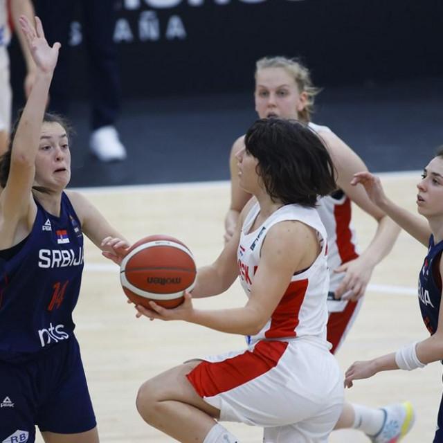 Ella Majstorović protiv Srbije u 5. kolu FIBA European Challengersa