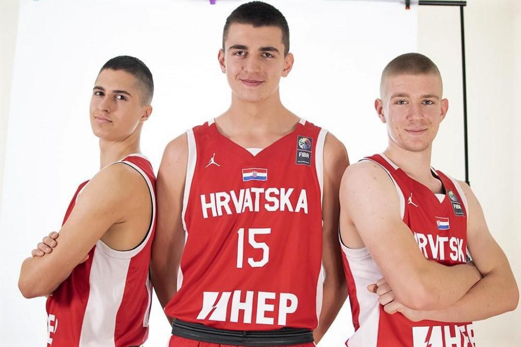 Mateo Tomašević (u sredini), košarkaš Dubrovnika, kadetski reprezentativac Hrvatske