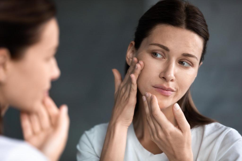 Akne, osip i upala kože mogu biti pokazatelji visoke razine toksina u tijelu