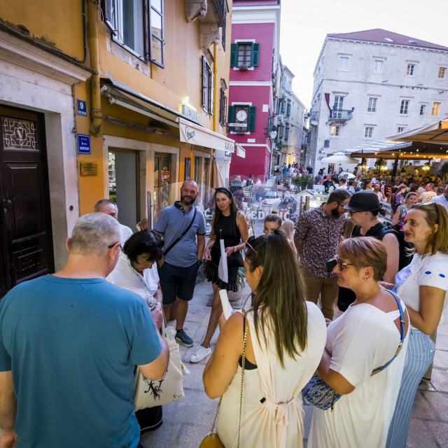 Zahvaljujući Udruzi turističkih vodiča Mihovil bogata šibenska gastronomska povijest ovo ljeto je osvanula u novom ruhu