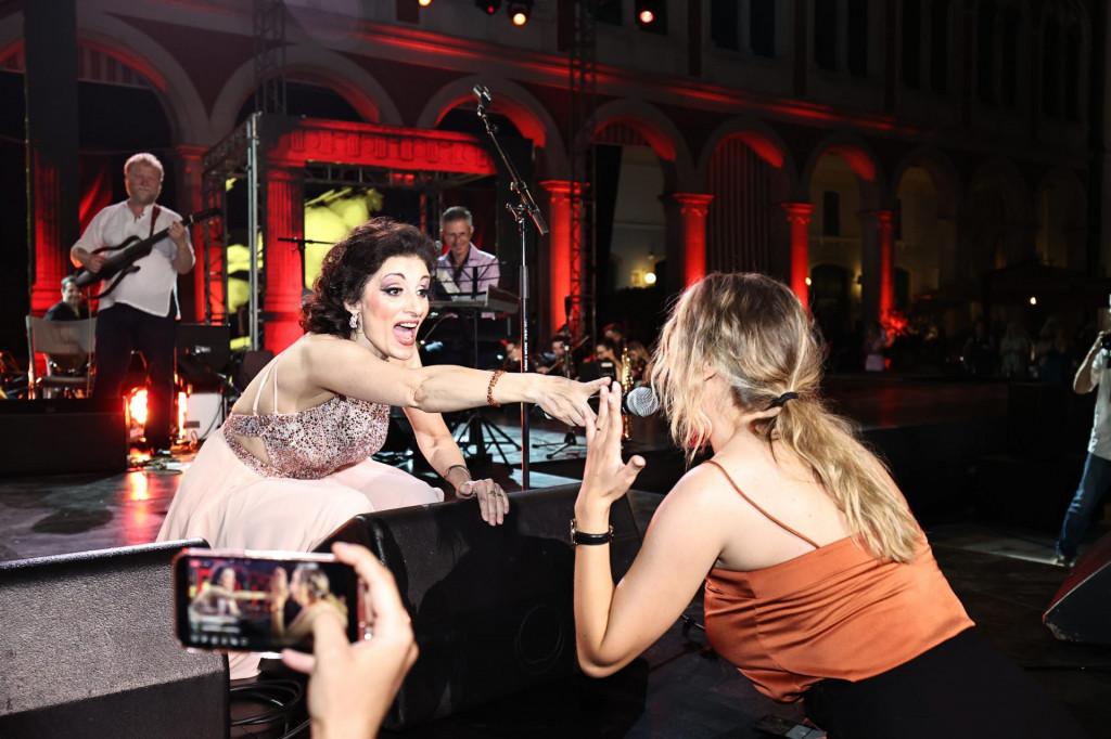 Doris Dragović je napravila 'raspašoj' na koncertu kojim je otvorila ovogodišnji Splitski festival