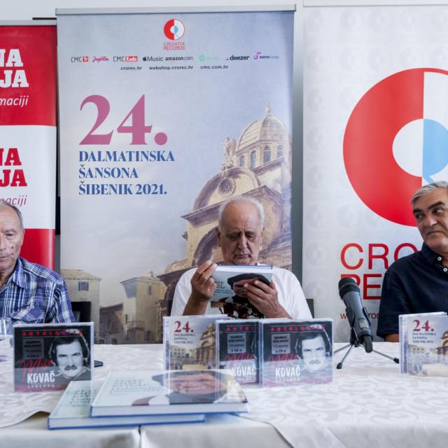 Nikolina Mazalin, autor knjige Stanko Karaman, Dušan Šarac i Branko Viljac