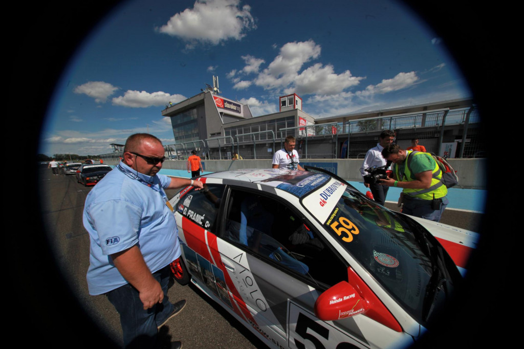 Dragan Serden, predsjednik Auto kluba Ragusa Racing, obnaša posljednjih nekoliko godina i dužnost predsjednika Odbora za autosportove Hrvatskog auto i karting saveza (na Slovakia Ringu 2020. godine)