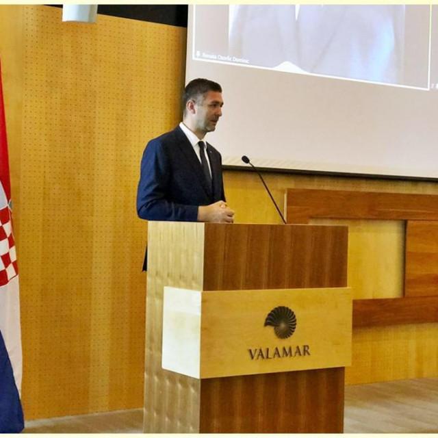 Franković nazočio otvorenju stručnog skupa za učitelje hrvatskog jezika