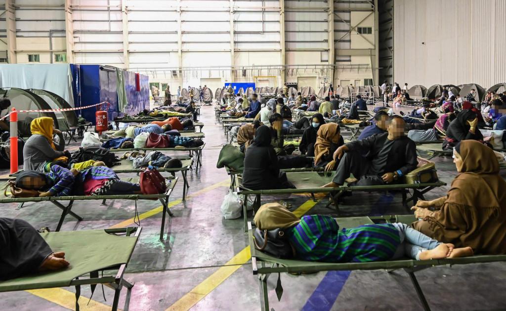 Dio afganistanskih izbjeglica nakon strunjača i dvorana dočekat će sobe, apartmani i kuće