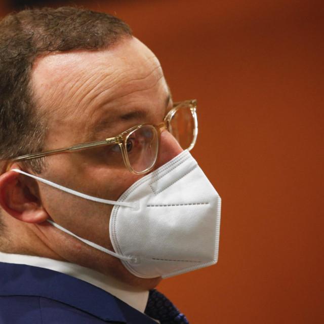 Ministar zdravstva Jens Spahn rekao je da je incidencija i dalje važna, ali da je vrijeme toga kriterija prošlo jer je u Njemačkoj veliki broj ljudi cijepljen