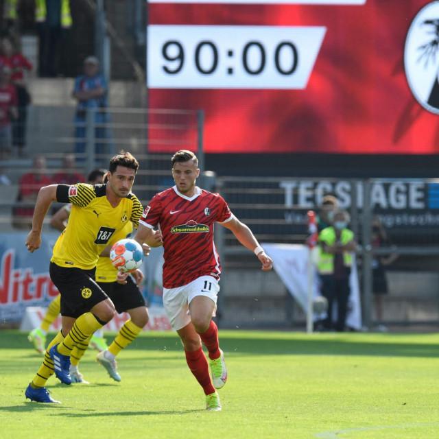 Borussia iz Dortmunda izlistana je na burz pa mora poštivati pravila vezana uz transparentnost financijskog poslovanja