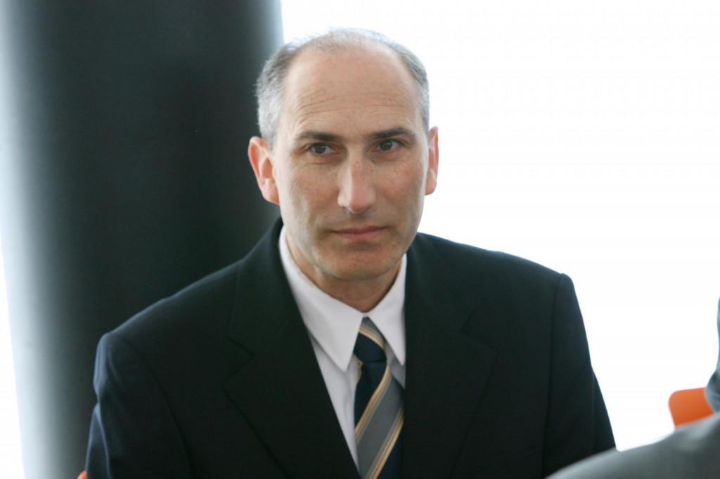 Predstojnik prof. dr. sc. Marko Mimica.<br /> <br /> <br /> <br /> <br />