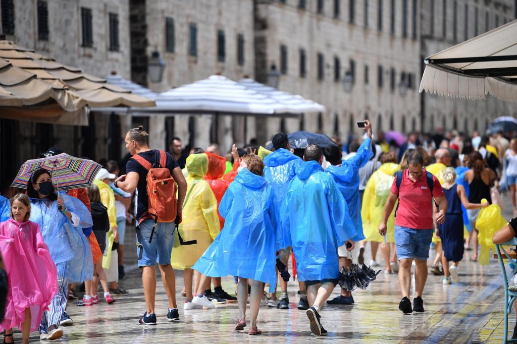 Kišni kolovoški dan u Gradu