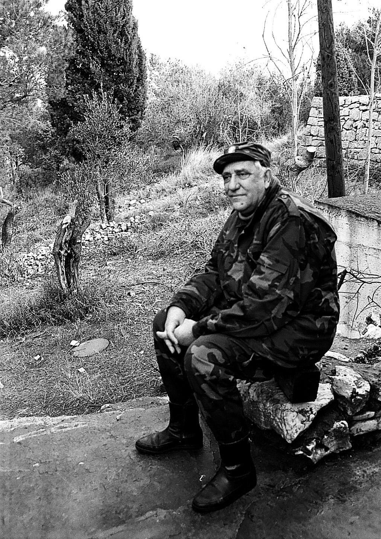 """Poslije šibenske kazališne predstave u Livnu, domaćini su, poštujući i na svoj način famozno šibensko """"Oba su pala"""", uputili na topničku bitnicu na Zečevo pun kamion suhomesnate robe"""