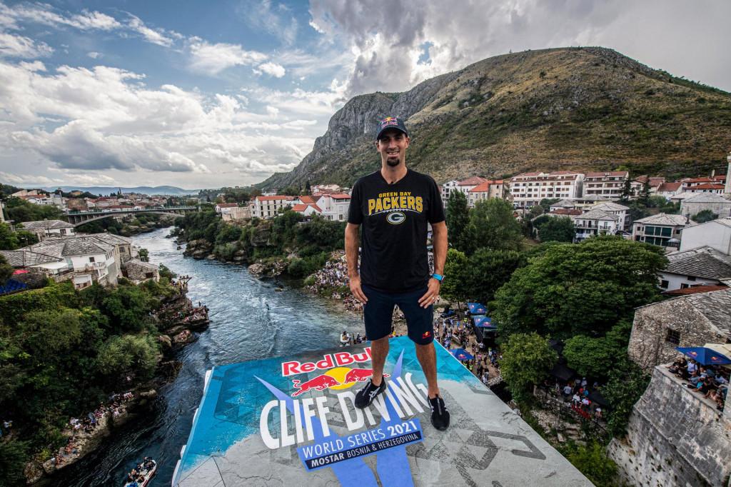 Red Bull Cliff Divin
