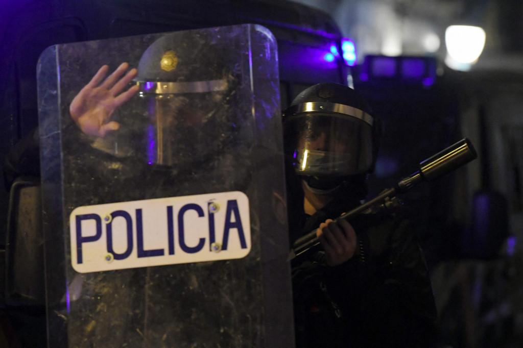 U Barceloni je ozlijeđeno šest policajaca, a u Alcalade Henaresu sedam