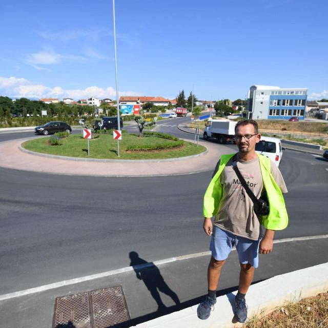 Zadar, 310821.<br /> Slobodan Kos, profesionalni vozac, upozorava na prometna rjesenja i ponasanje vozaca na zadarskim ulicama.<br />